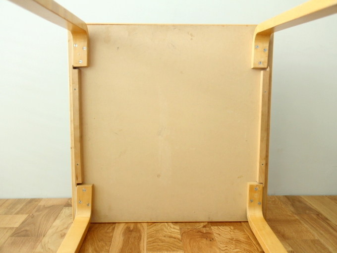 Artek-Table70s-Mintgreen07.jpg