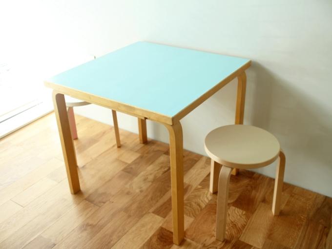 Artek-Table70s-LightBlue03.jpg