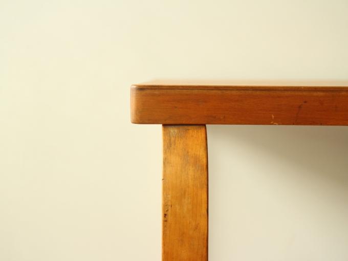 Artek-Table-Finmar30s09.jpg