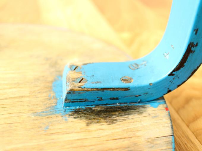 Artek-Stool60-ca30s-BlueHI12.jpg
