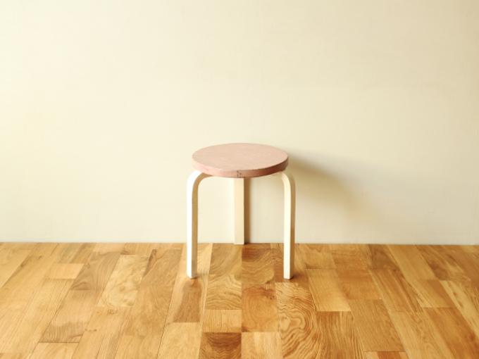 Artek-Stool60-50s-Pink-01.jpg