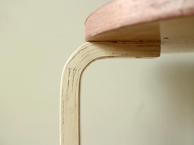 Artek-Stool60-50s-Pink-07.jpg