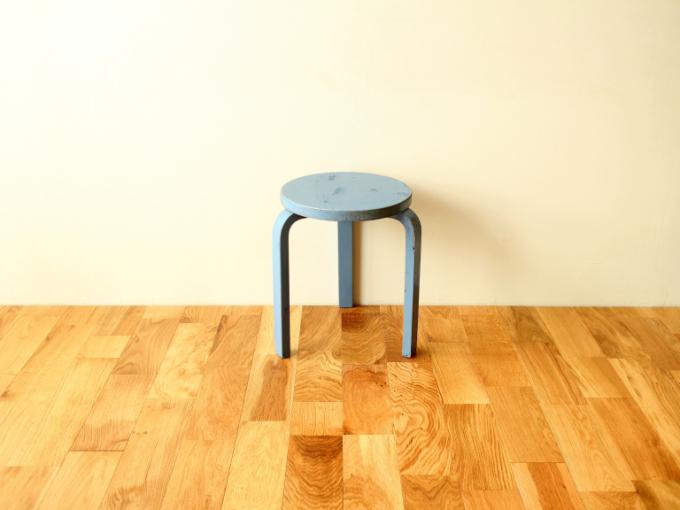 Artek-stool60-30sRepaint-Finmar01.jpg