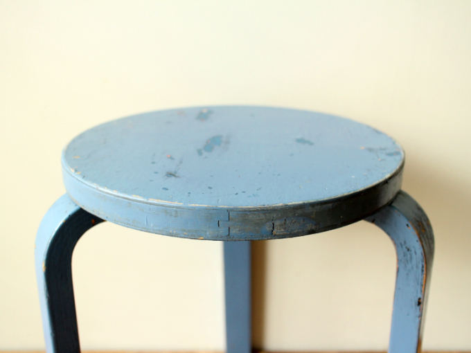 Artek-stool60-30sRepaint-Finmar02.jpg
