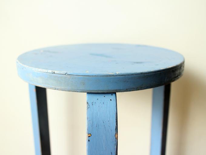 Artek-stool60-30sRepaint-Finmar03.jpg