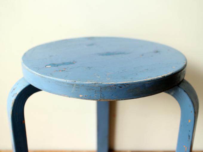 Artek-stool60-30sRepaint-Finmar04.jpg