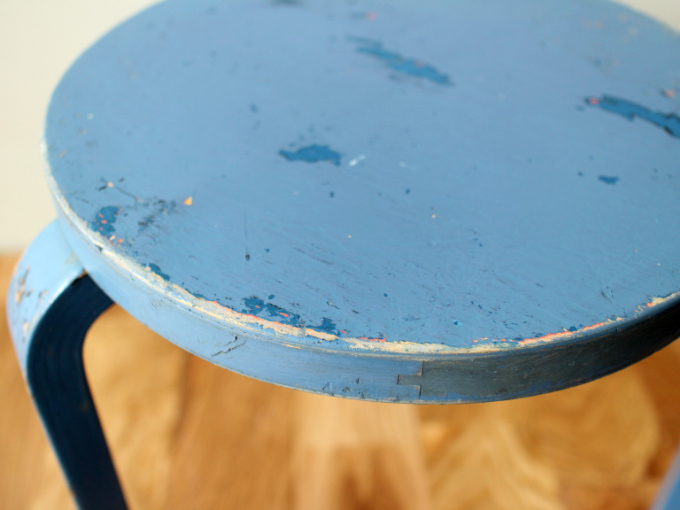 Artek-stool60-30sRepaint-Finmar06.jpg