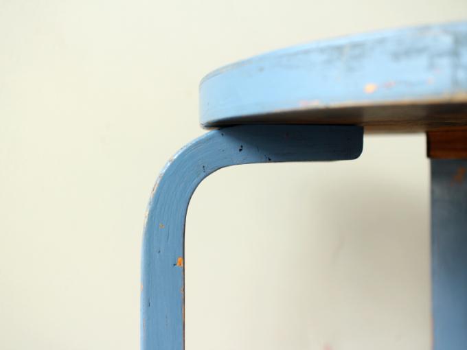 Artek-stool60-30sRepaint-Finmar07.jpg