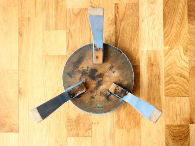 Artek-stool60-30sRepaint-Finmar09.jpg