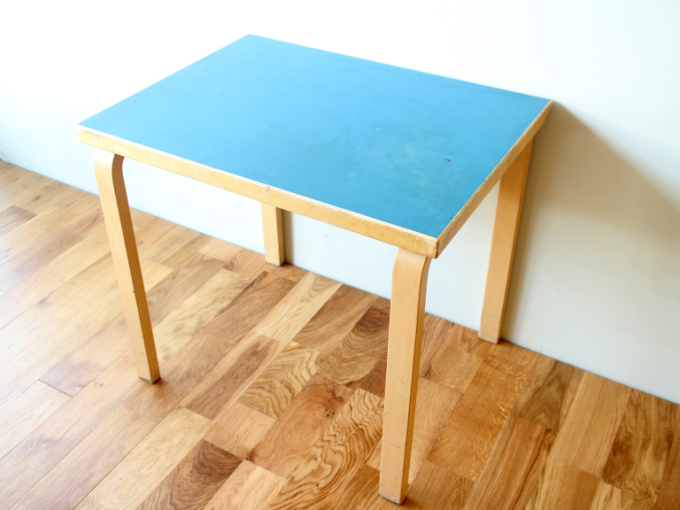 Artek-Table-80x60-Blue06.jpg