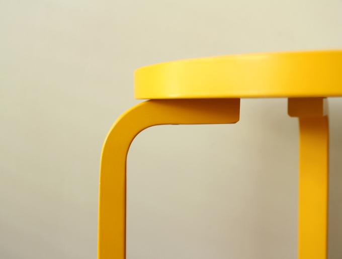 Artek-Stool60-Yellow02.jpg