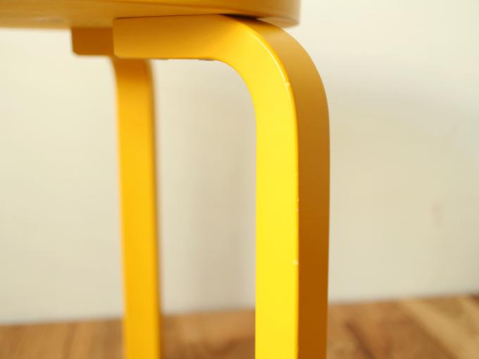Artek-Stool60-Yellow03.jpg