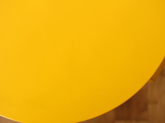 Artek-Stool60-Yellow06.jpg