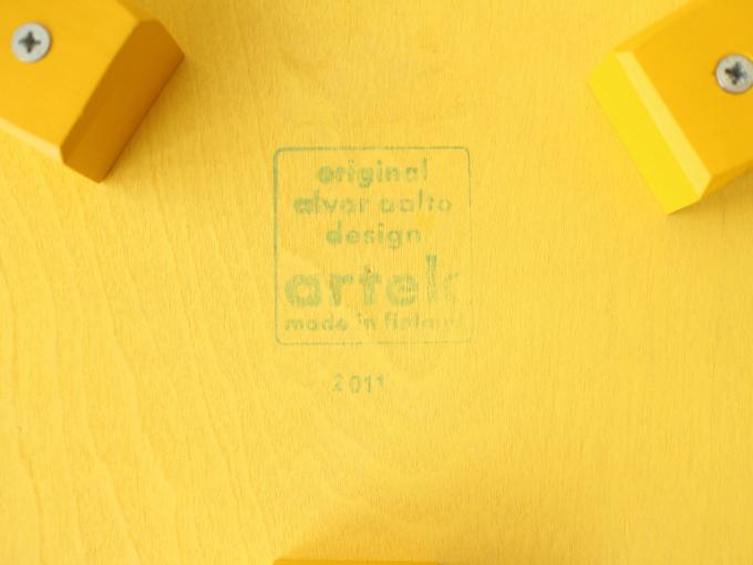 Artek-Stool60-Yellow12.jpg