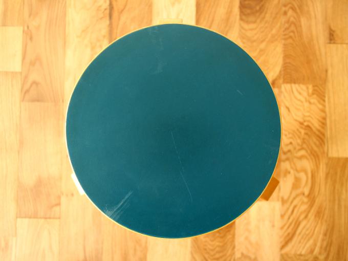 Artek-Stool60-65-E70s-Bluelino02.jpg