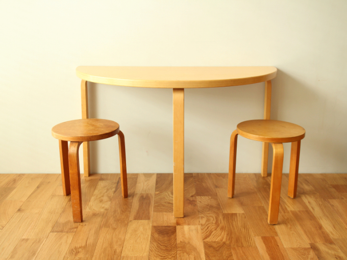 Artek-Table95-ASH-70s01.jpg