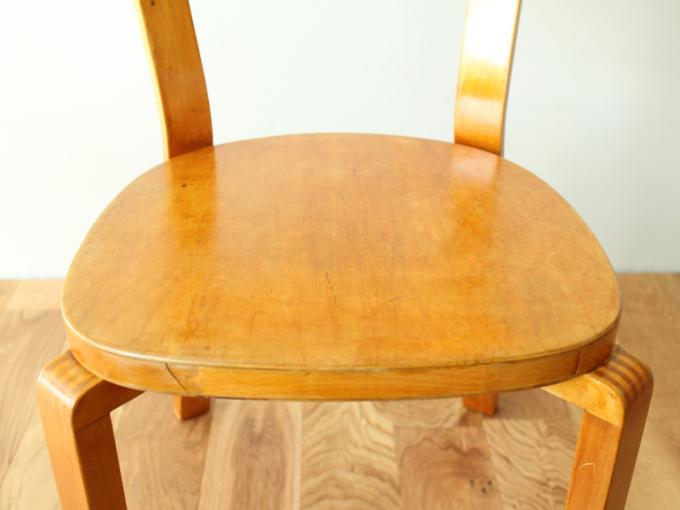 Artek-Chair69-40s-finger06.jpg