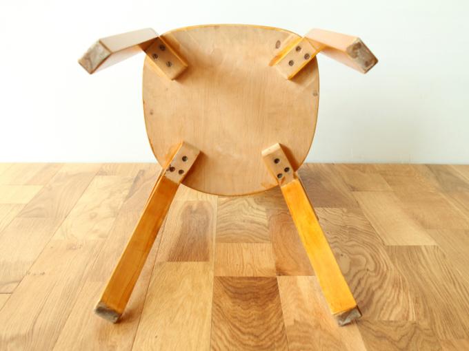 Artek-Chair69-40s-finger13.jpg