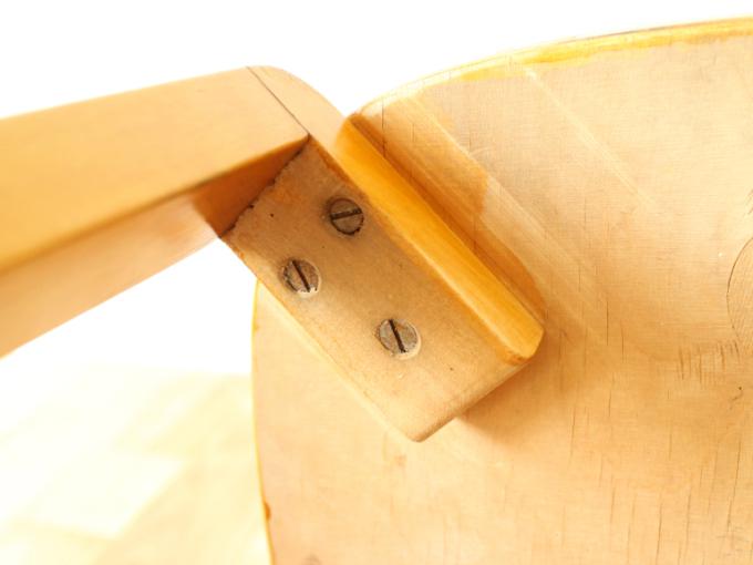 Artek-Chair69-40s-finger14.jpg