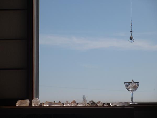 窓辺のクリスタル.jpg