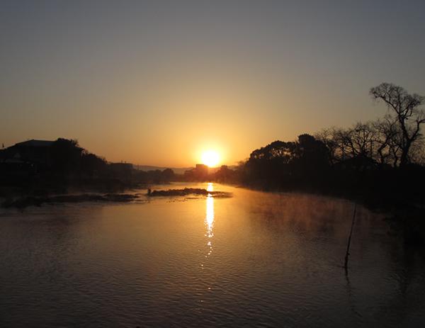 江津湖の朝日600.jpg