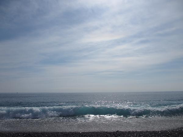 花の窟海岸波600.jpg