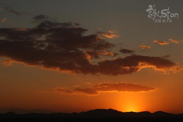 日が暮れる600.jpg