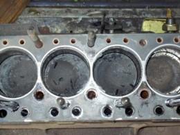 エンジンから凄まじい音が