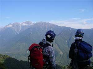 左方カンテ終了点から穂高連峰の眺め