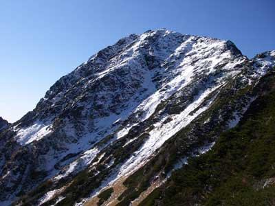 薄っすら雪化粧の北岳
