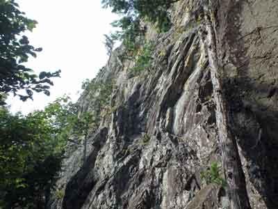 奥多摩つづら岩