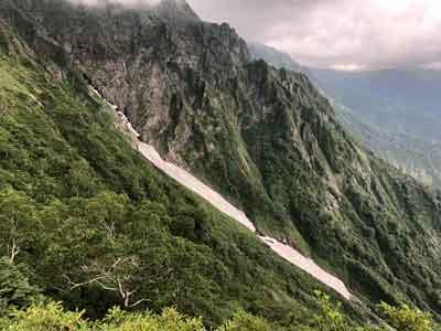 マチガ沢の雪渓