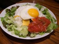 半熟卵が嬉しいタコライス