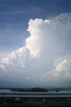 天竜川上流の入道雲