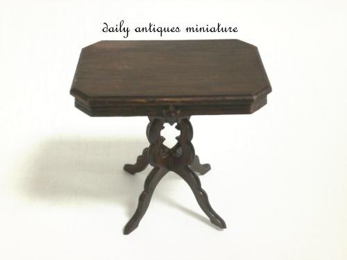 ミニチュアテーブル