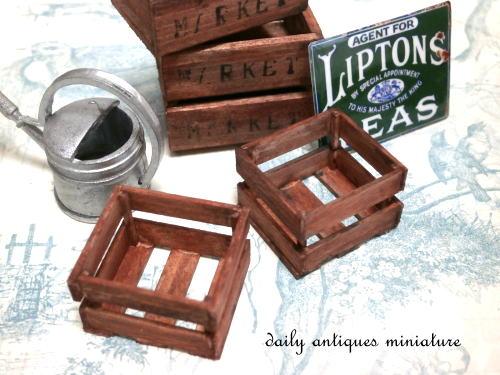ミニチュア木箱