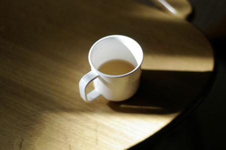 コップの陰影