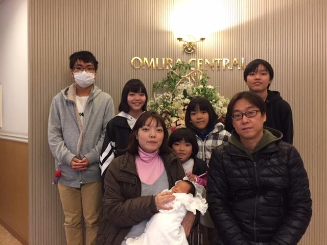 12月20日生まれの赤ちゃんとご家族です^_^