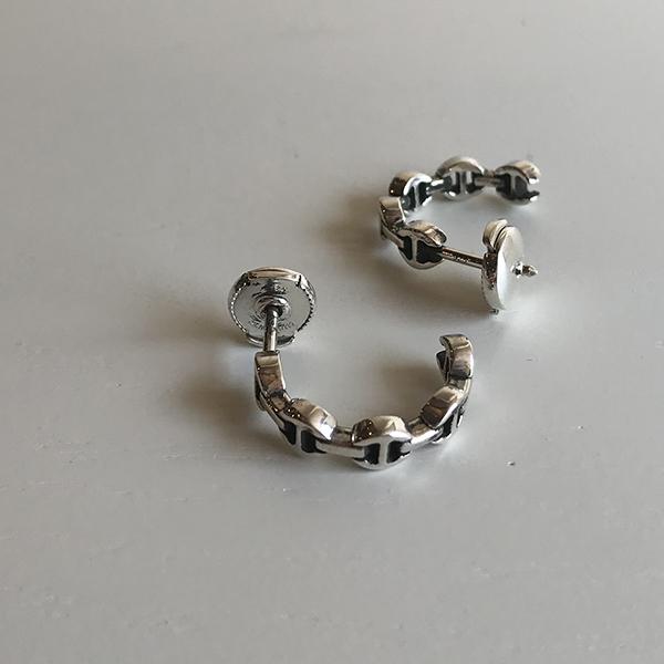 hoorsenbuhs pierce.jpg