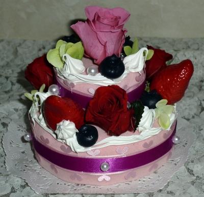 プリザーブドフラワーのデコレーションケーキ