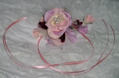 可愛いコサージュとリストレット(造花)