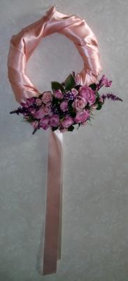 サテンの造花リース
