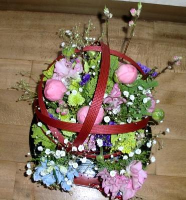 ひな祭りに花手鞠の生花アレンジメント