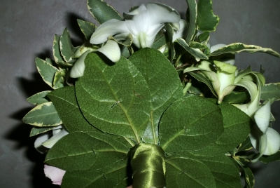 2級:滴形の花嫁の花束(ブーケ)