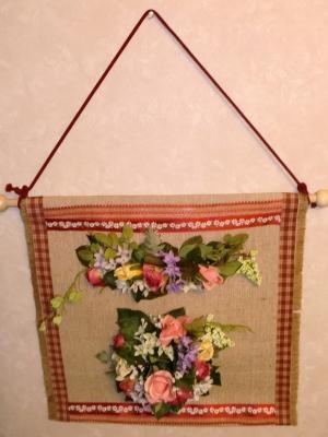 造花の花束のタペストリー