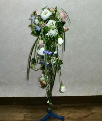 1級:流れるような花嫁の花束(ブーケ)
