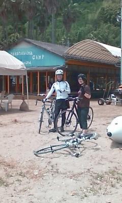 浜辺の自転車乗り