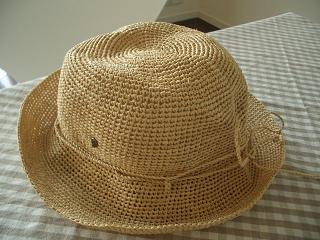 ヘレンカミンスキーラフィア帽子