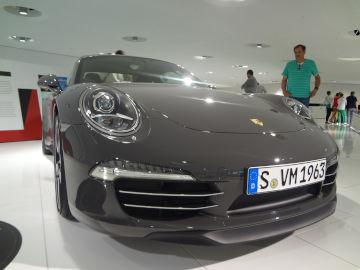 ポルシェ 911 50周年車