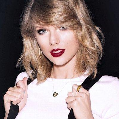 Taylor Swift(テイラー・スウィフト)の洋楽歌詞和訳カタカナまとめ一覧